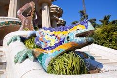 Salamandra del dragón del gaudi en guell del parque imagenes de archivo