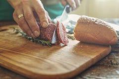 Salami, ham, delen, basis, kaas, sandwich, het maken, aandeel, resta stock fotografie