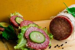 salami met sandwich Royalty-vrije Stock Fotografie