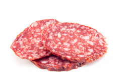 Salami op een witte achtergrond wordt geïsoleerd die Stock Afbeelding