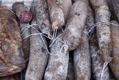 Salami orgánico típico de la región de Marche, Italia Imágenes de archivo libres de regalías