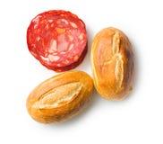 Salami y bollos cortados del chorizo Fotografía de archivo libre de regalías