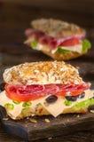 Salamisandwiches stock fotografie