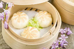 Salapao. Thai steamed buns filled with chicken Royalty Free Stock Images