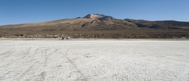 Salar de Uyuni in front of the Tunupa volcano, Altiplano, Bolivia Stock Photography