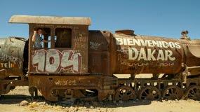 Salar De Uyuni pociągu cmentarz fotografia stock