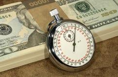 Salarios cada hora fotos de archivo