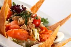 Salat der geräucherten Lachse Lizenzfreie Stockfotografie