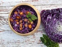Salat des Rotkohls lizenzfreie stockfotografie