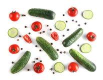 salat för löken för bakgrundsgräslökgurkan sköt ny vita grönsaker för fjäderstudiotomaten Arkivfoton