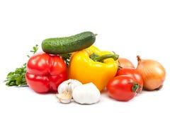 salat för löken för bakgrundsgräslökgurkan sköt ny vita grönsaker för fjäderstudiotomaten Royaltyfria Foton