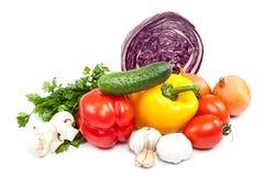 salat för löken för bakgrundsgräslökgurkan sköt ny vita grönsaker för fjäderstudiotomaten Arkivfoto