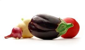 salat för löken för bakgrundsgräslökgurkan sköt ny vita grönsaker för fjäderstudiotomaten Royaltyfria Bilder