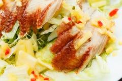Salat mit Aal lizenzfreie stockfotografie