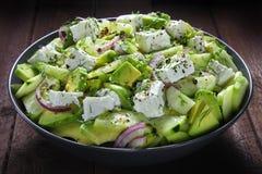 Salat mit Avocado Lizenzfreie Stockfotos