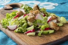 Salat mit Croutons Lizenzfreies Stockfoto