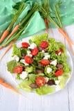 Salat mit der hühnerleber Kirschtomaten und -Feta Lizenzfreie Stockfotos