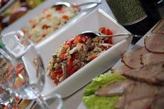 Salat mit der Zunge lizenzfreie stockfotos