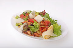 Salat mit essbaren Meerestieren Stockfoto