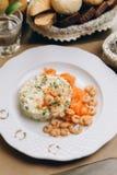 Salat mit Garnelen lizenzfreie stockfotografie