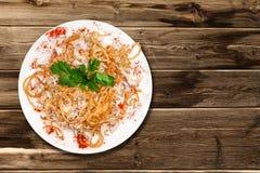 Salat mit Huhn und Pilzen Stockbilder
