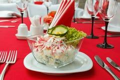 Salat mit Krebsfleisch Stockbild