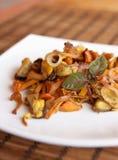 Salat mit Pilzen Stockfotos