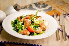 Salat mit Schweinefleisch und Knoblauch Stockfoto