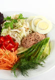 Salat mit Thunfisch Stockbild