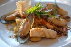 Salat von den essbaren Meerestieren Lizenzfreies Stockbild