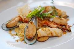 Salat von den essbaren Meerestieren Stockbild