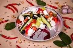 Salat von frischen Gurken, von Tomaten und von Gemüsepaprika Lizenzfreie Stockfotografie
