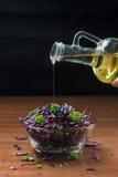 Salatkochen stockbilder