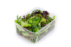 Salatmischung in einem Kasten Stockfotos