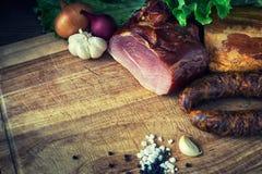 Salchicha y carne fumadas Fotos de archivo libres de regalías