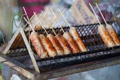 Salchichas tailandesas asadas a la parrilla Foto de archivo