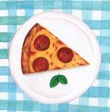 Salchichones de la pizza en una placa stock de ilustración