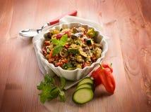 Sald do Quinoa com vegetais, foto de stock
