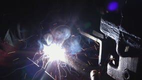 Saldando nell'industria metalmeccanica archivi video