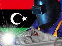 SALDATORE DI LIBIA CON FONDO DI IL SUO fotografia stock libera da diritti
