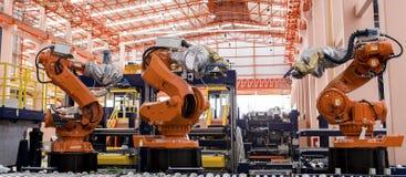 Saldatura dei robot Fotografie Stock Libere da Diritti
