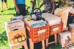 Sale av använda vinylrekord på mässan för öppen luft kallade Bolivia Squar fotografering för bildbyråer