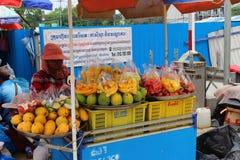 Sale av frukt från spårvagnen royaltyfri fotografi