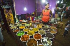 Sale av kryddor i marknaderna av Indien Royaltyfria Foton