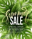 Sale baner, affisch med palmblad, djungelblad och handskriftbokstäver Blom- tropisk sommarbakgrund vektor royaltyfri illustrationer