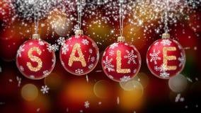 Sale baner på röda julbollar med den runda snöflingan på guld- bokehbakgrund 4K stock video