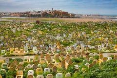 Sale Marocko - mars 06, 2017: Arabisk kyrkogård i Sale, Marocko Royaltyfria Bilder