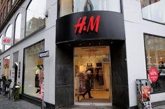 60% SALE MITT- SÄSONG PÅ H&M-LAGRET Royaltyfria Foton