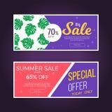 Sale och rabattuppsättning av baner Design för Sale banermall Baner för försäljning för sommarsäsong med den tropiska bladmodelle Royaltyfria Bilder