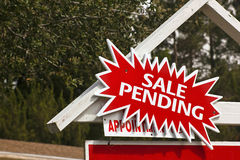 Sale Sign with Pending Notice Stock Photography